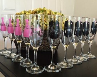 Personalized Glass Wedding Flutes for the Bride, Groom, Bridesmaids and Groomsmen. Wedding Day, Lot of Ten 10