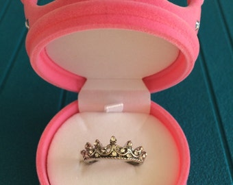 Crown ring in its box pink Crown