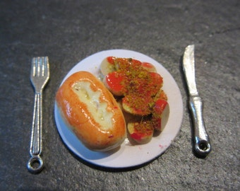 Plate with Cürrywurst - Dollhouse / miniature polymer clay