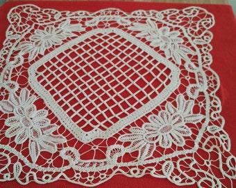 Romanian hand made macrame table cloth - square 65 cm/ 65 cm