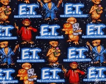 fat quarter E T the EXTRA TERRESTRIAL  with animals Universal Studios 100% Cotton  Scenic FABRIC