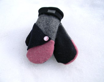 100% recycled wool mittens
