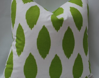 SALE   20 X 20 Green and White Decorative Pillow Cover.