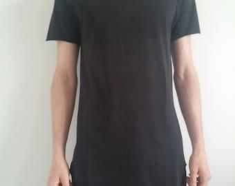 Asymmetrical T-shirt raw edges