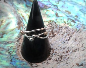 R15- Silver and gold bobble stack ring