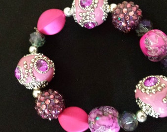 Hot pink glass beaded bracelet