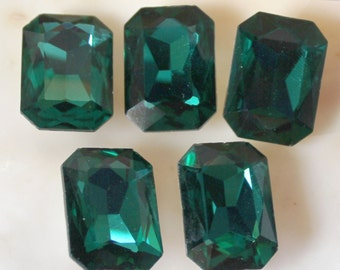 5 Pcs Emerald Green Glass Octagon Rhinestones With Silver Foiled Backs - 18x13mm