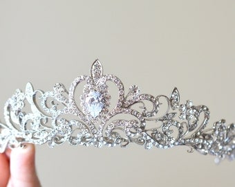 Princess Wedding Tiara, Luxury Bridal Tiara, Crystal Wedding Tiara, Princess Crown, Wedding Flower Tiara,Ref ANNA