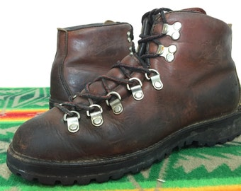 danner leather hiking walking boots gore-tex lined made in usa size 9