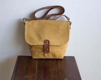 Small crossbody bag, crossbody purse, small cross body bag, waxed canvas bag, shoulder bag, waxed canvas messenger, mustard brown color