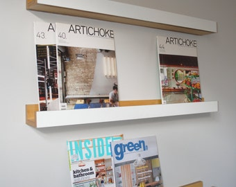 Wall mounted bookshelf