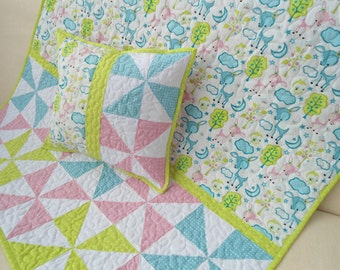 Patchwork quilt, baby quilt + pillow