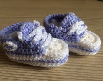 Lilac Crocheted baby sneakers