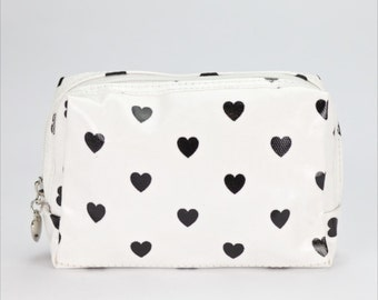 Small Makeup bag - Oilcloth zip pouch - Oil cloth Cosmetic case- Beauty pouch- Makeup organizer- Ladies Beauty case - Love heart polka dot