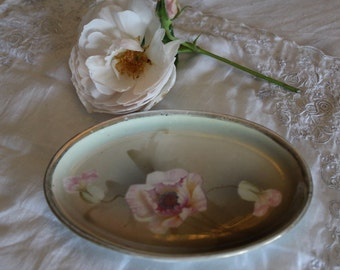 Prussia: charming small dish with flowers (hand painted)