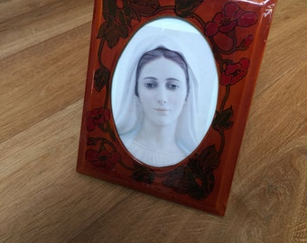 Painted Medallion picture frame