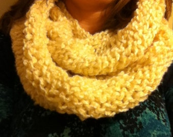 Warm buttery white Loop Scarf