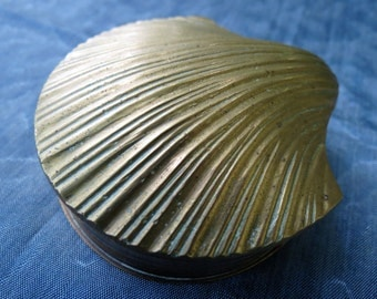 Beautiful Vintage Solid Brass Clam Shell Tinket Box