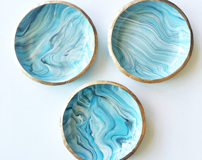 SHADES OF BLUE // Handmade Marbled Polymer Clay Jewelry Dish, Ring Dish, Trinket Dish