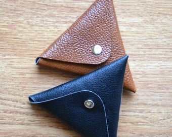 Black triangle coin purse / Leather triangle coin purse / Coin wallet / Coin pouch / Change wallet / Genuine leather