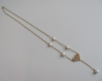 Delicate Gold and Pearl Heart Necklace