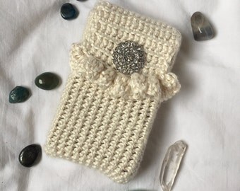 Crochet Tarot Deck Bag | Ivory yarn with Silver Decorative Button | Tarot Card Bag | Tarot Pouch | Standard size | Handmade | Sparkle