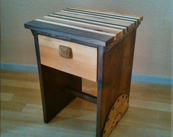 Stand / bedside table