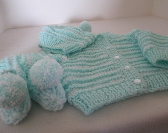 green nd white infant sweater set