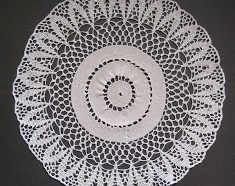 Vintage Crocheted Doily in Ecru Cotton