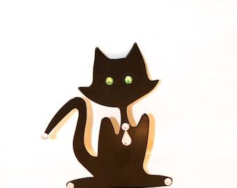 Peridot-Eyed Black Cat sink decoration