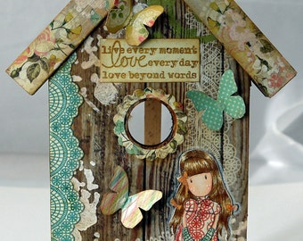 Birdhouse Shaped Hanging Plaque