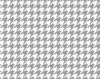Riley Blake Designs Basic Houndstooth Gray and White C 970