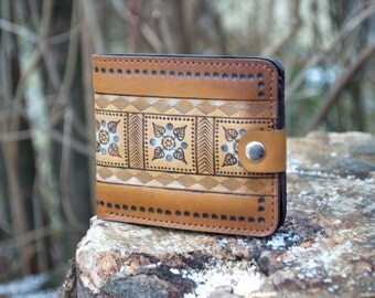 Handmade leather compact wallet with ornament