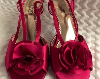 Size 8M PINK SATIN PUMPS /Hot Pink Kitten Heels Shoes/ Rhinestone Buckles Shoes