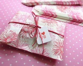 Floral Paper Bags 5 x 7 inch, Qty 25, 50, 100 Pink Flowers, Floral Merchandise, Party Bags, Treat Bags, Gift Wrap, Invitations, Packaging