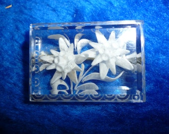 Clear Lucite floral design pin a271