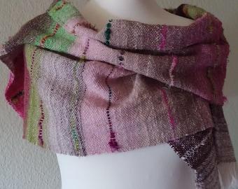 Scarf / shawl hand-woven