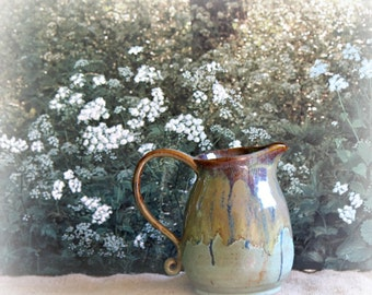 Hand thrown Pottery Pitcher 1.5 quarts