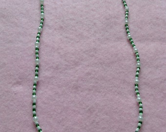 Gold Green & White Beaded Necklace.