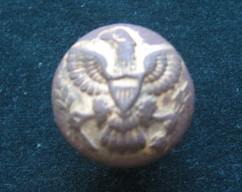 Button with an eagle, Brass, Gold