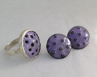 Modern Mauve colored enamel and silver ring with matching post  Earrings. Australian size R  USA size 8  3/4