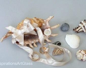 Ring bearer Beach wedding holder Seashell ring bearer Shell ring holder Wedding ring holder Wedding ring bearer Sea Shell ring bearer