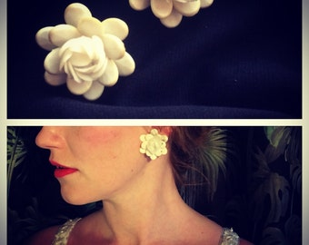 1950s flower earrings clip ons
