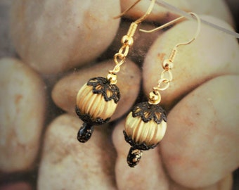 Vintage looking gold and black lacy drop earrings