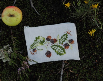 Embroidered wallet (acorns)