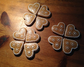 small gingerbread hearts