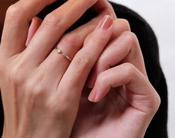 fine round ring, circle ring, cz ring, diamond ring, adjustable ring, minimalist ring, geometric ring, minimalist jewelry, modern ring