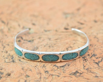 Crushed Turquoise Inlay Cuff Bracelet Sterling Silver 12.3g Vintage Estate