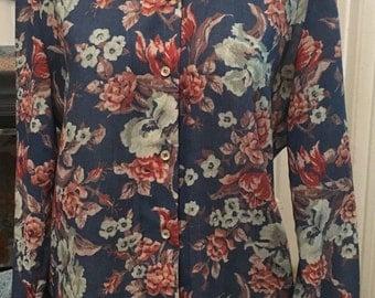 Gorgeous Vintage Floral Button Up Blouse.
