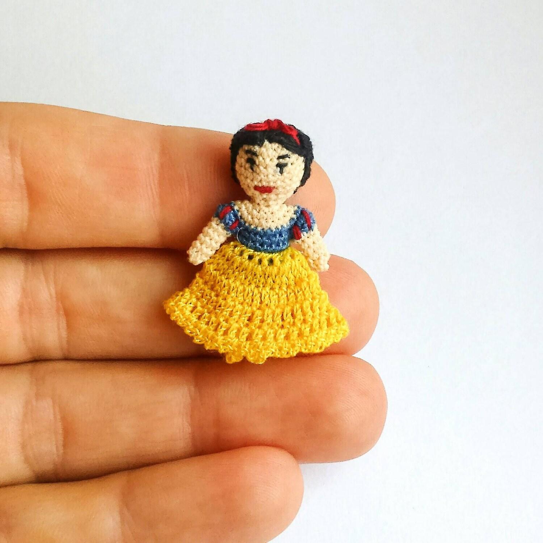 Tiny Amigurumi Doll : Micro amigurumi doll snowhite crochet tiny